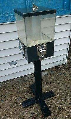4 in 1 Gumball Candy Vending Machines $.25 wooded stand machine Vendesign USED