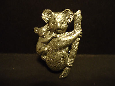 GG Harris Fine Pewter 497 Koala Bears Lapel Pin