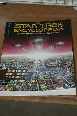 The Star Trek Encyclopedia : A Reference Guide to the Future (1994, Paperback)