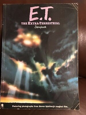 VINTAGE ORIGINAL E.T. THE EXTRA TERRESTRIAL OFFICIAL PHOTOS STORYBOOK 1980's