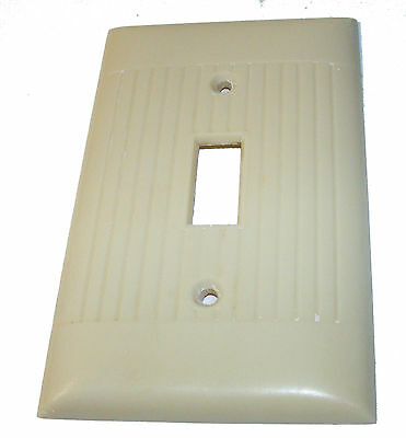SIERRA ELECTRIC CORP vintage Ivory RIBBED Light Switch Plate USA 4 1/2 x 2 3/4in