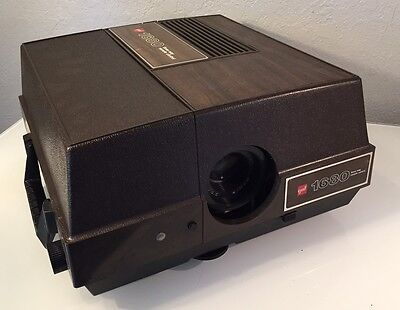 GAF 1680 Carousel Slide Projector with working 3-way Remote Nice LOOK