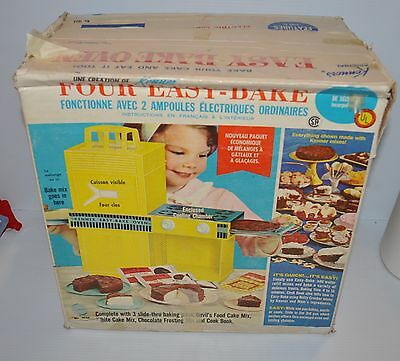vintage EASY BAKE OVEN toy Kenner 1964 Turquoise Oven w/ box - rj
