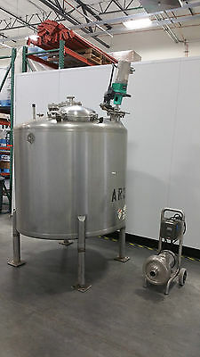 TANK, STAINLESS STEEL, SANITARY, 600 GALLON, With SS Pump and Lightnin Mixer