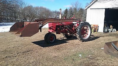 1940 Farmall H with loader