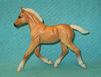 Breyer Classic Cute Palomino Hansel Foal From Pet Groomer Set #61024 New 14