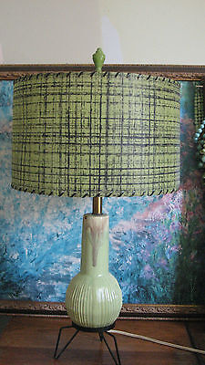 Vintage 50s 60s Mid Century Atomic Sputnik Chartreuse Tripod Lamp With Shade