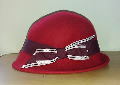 Vintage 1920's style M&S red wool cloche hat