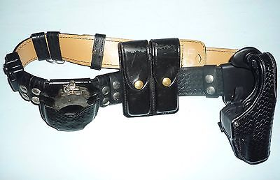 Patrol Used Genuine Police Officers Leather Duty Belt w/ Holster, Handcuffs, Acc