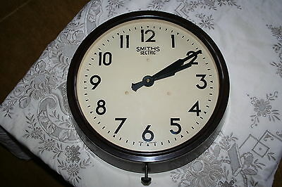 Excellent Smiths Sectric Vintage Large Bakelite Electric Wall Clock.