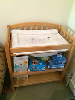 Mamas and Papas Changing Table With Bath