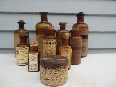 10 19th C MEDICINE & DRUGGIST BOTTLES SEVERAL WITH CONTENTS.