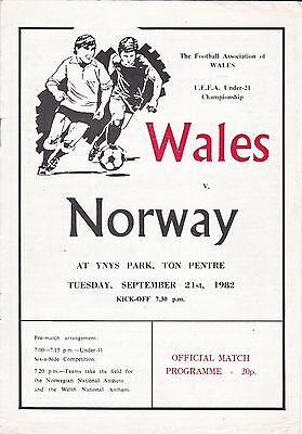 WALES v NORWAY UNDER 21S FOOTBALL PROGRAMME~ AT TON PENTRE ~ 21 SEPTEMBER 1982