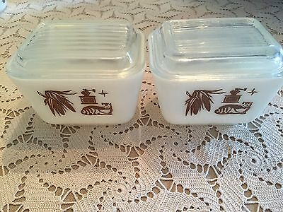 Lot of 2 Pyrex Early American Small Refrigerator Dishes with Lids, 501-B