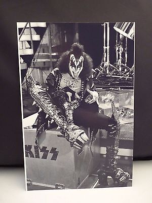 Kiss 1977 L.A. Forum Gene Simmons Candid 8x12 Photo #5 From Original Negative