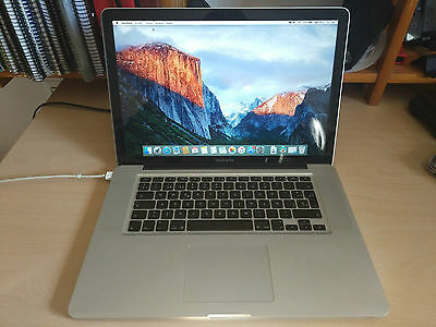MacBook Pro 15'' Core 2 Duo 2.8GHz 8GB Ram 1TB + Henge Dock