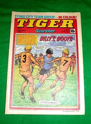 Tiger  Comic 1980  Great Stoke City  Team Poster & John Lowe Darts  Poster Page