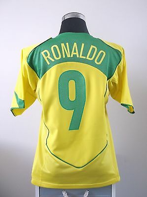 RONALDO #9 Brazil Home Football Shirt Jersey 2004-2006 (M)
