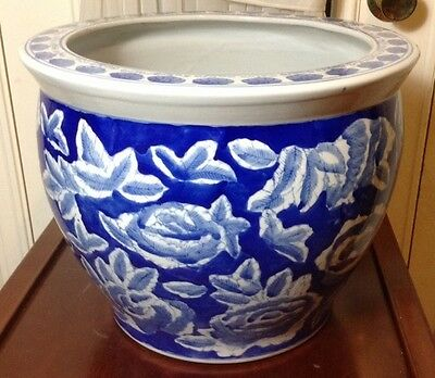 "14"" Chinese Blue and White Porcelain Flower Pot"