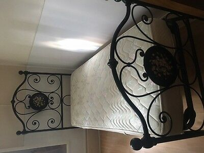 Beautiful italian cast iron single bed with floral details