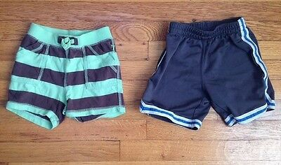 lot of 2 baby toddler boy babyGap Activewear shorts size 18-24 months