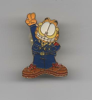 Garfield With Scout sign Cub Scout Hat Pin, Mint!