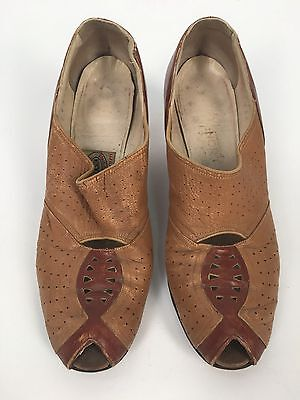 Vintage 1930s 40s Two Tone Heels Pumps Shoes Dickerson 8AAA Leather Peep Toe Tan