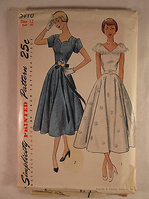 Vintage SIMPLICITY 1940's 1950's Woman's Dress Sewing Pattern Size 12