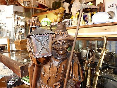 """ANTIQUE BLACK FOREST HAND-CARVED WOODEN WATCHMAN WORKING 34"""" TALL GC c1920's"""