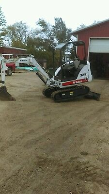 2011 Bobcat 325 Only 1800 Hours 2 Buckets