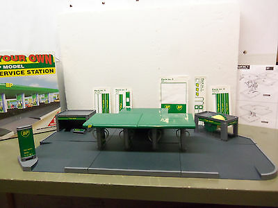 1995 Limited BP Service Station - Build Your Own Model - 100% Complete -