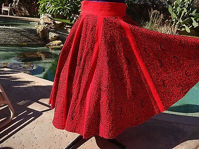 """Vintage 1950s Mexican full circle skirt S/M 28"""" waist red black heavy soutache"""
