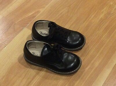 Toddler boys Footmates shoes size 8 M brown