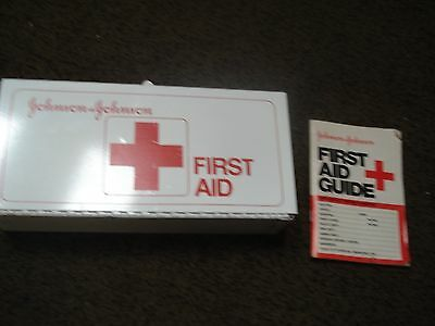 Vtg Original Johnson & Johnson First Aid Kit White Metal box with aid Guide