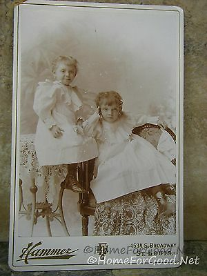 Antique CDV Photo TWO VICTORIAN SISTERS in St. Louis SEE ORNATE BACK