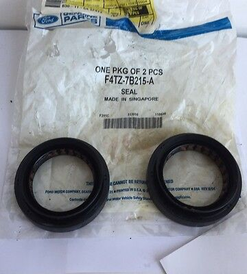 Transfer Case//Transfer Case Output Shaft Seal Ford 2L1Z-7B215-A Seal