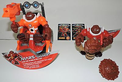 LOT Planet Heroes MARS DIGGER RUBBLE ROVER Pull Cord Drill Card Action Figure