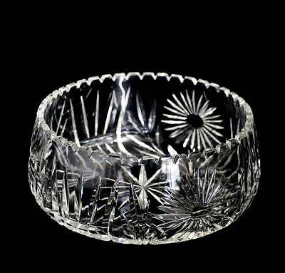Vintage huge cut crystal daisy design bowl in beautiful condition 25cm across