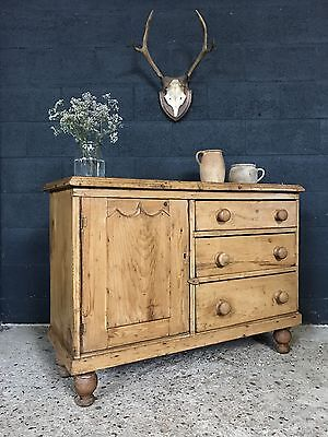 Stunning Victorian Antique Country Farmhouse Sideboard Cupboard