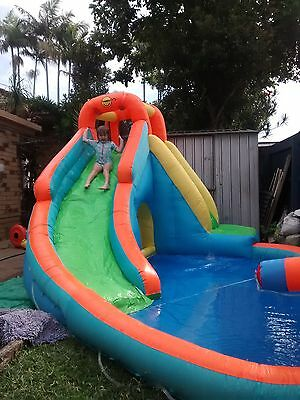 Happy Hop Inflatable curved waterslide with cannon