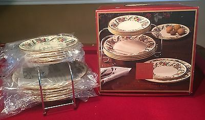 Lenox Holiday Tartan 12 Piece Set With Buffet Rack- New In Box - Retail $450