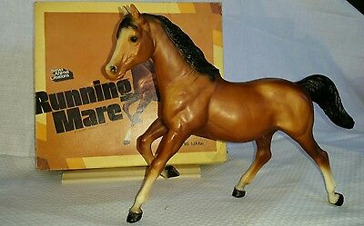 Breyer Horse Running Mare # 124 Vintage 1979 Model - With Box