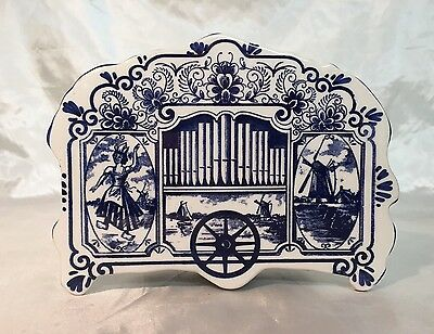 Rare Vintage Royal Delft Blue & White Circus Wagon Music Box Figurine WORKS NEW