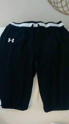 UNDER ARMOUR Black SHORTS SIZE YXl Xl Extra Large
