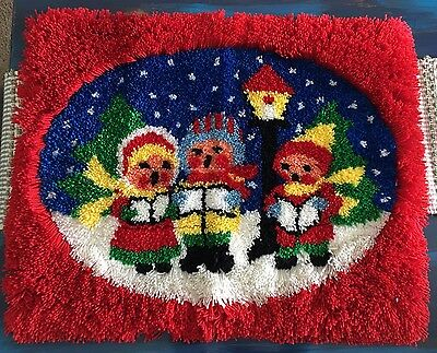 Completed Latch Hook Christmas Singing Carols Rug Tapestry 24 x 36 Vintage GUC
