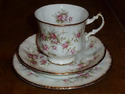 Paragon Victoriana Rose trio - Cup, Saucer and side plate - Pink Roses xx
