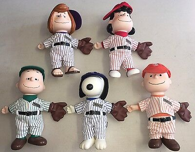 VTG Peanuts Gang United Features Syndicate Charlie Brown Baseball Vinyl Snoopy