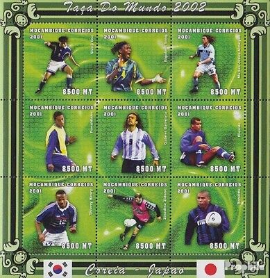 Mozambique 1829-1837 Sheetlet unmounted mint / never hinged 2001 Football-WM 200