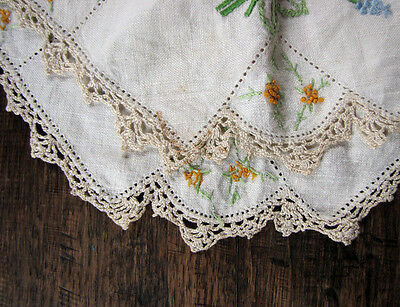 vintage hand embroidered doily - lace trimmed with floral motif - shabby cottage