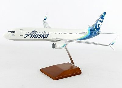ALASKA AIRLINES BOEING 737-900ER New Livery Desk Display Model 1/100 ES  Airplane